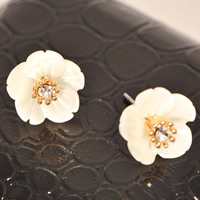 White Shell Earrings, Zinc Alloy, with White Shell, stainless steel post pin, Flower, real gold plated, with rhinestone, nickel, lead & cadmium free, 13mm, 10Pairs/Bag, Sold By Bag