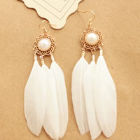 Fashion Feather Earring , Zinc Alloy, with Feather & Glass Pearl, brass earring hook, gold color plated, 70mm, Sold By Pair