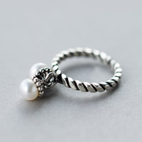 Cultured Freshwater Pearl Finger Ring, Thailand Sterling Silver, with Freshwater Pearl, natural, open, 5.5mm, US Ring Size:8, Sold By PC