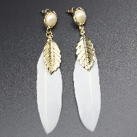 Fashion Feather Earring , with Resin Pearl & Zinc Alloy, brass post pin, gold color plated, for woman, white, 14x33mm, 70mm, Sold By Pair